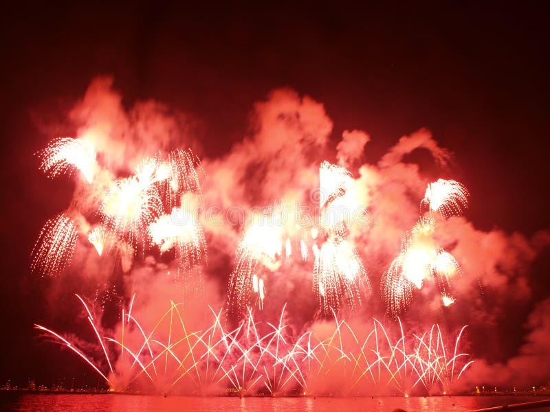 μεγάλο κόκκινο πυροτεχ&nu στοκ εικόνες