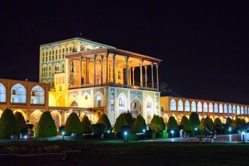 Μεγάλο παλάτι του Ali Qapu τη νύχτα Ισφαχάν Ιράν στοκ φωτογραφίες με δικαίωμα ελεύθερης χρήσης