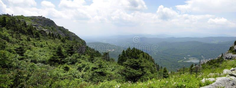 μεγάλο πανοραμικό smokey βουνών στοκ φωτογραφία με δικαίωμα ελεύθερης χρήσης
