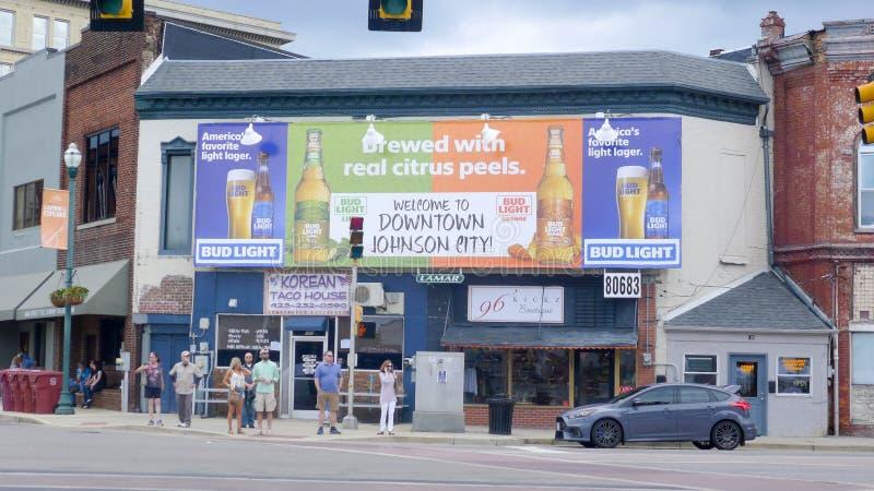 Μεγάλο σημάδι στη στο κέντρο της πόλης πόλη Johnson στοκ εικόνα