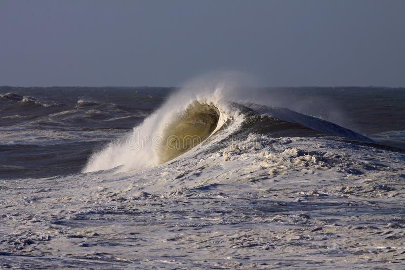Μεγάλα κύματα στοκ εικόνα με δικαίωμα ελεύθερης χρήσης