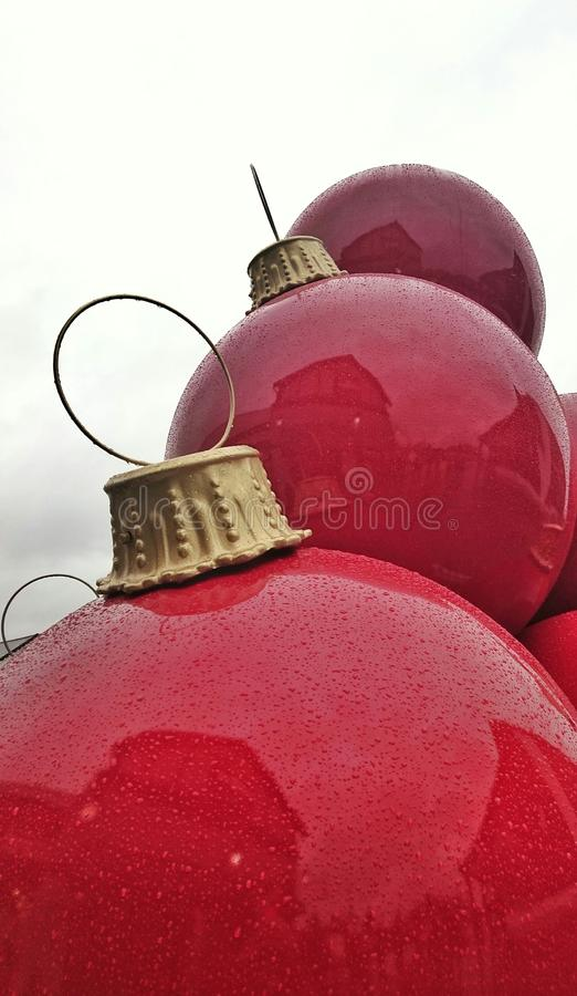 Μεγάλα μπιχλιμπίδια Χριστουγέννων στοκ εικόνες με δικαίωμα ελεύθερης χρήσης