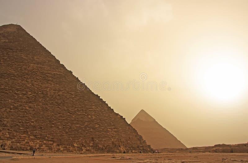 Μεγάλες πυραμίδες Giza σε μια άμμο strom, Κάιρο στοκ εικόνα