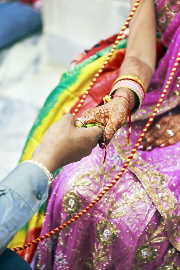 Μεγάλος ινδός γάμος τελετουργικός όλοι που εμπλέκονται στοκ εικόνες