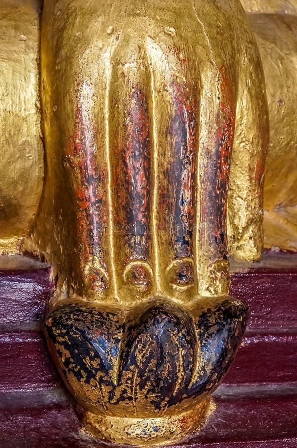 Μεγάλο ισχυρό Βούδας γήινου μάρτυρα χέρι Mudra στοκ φωτογραφία