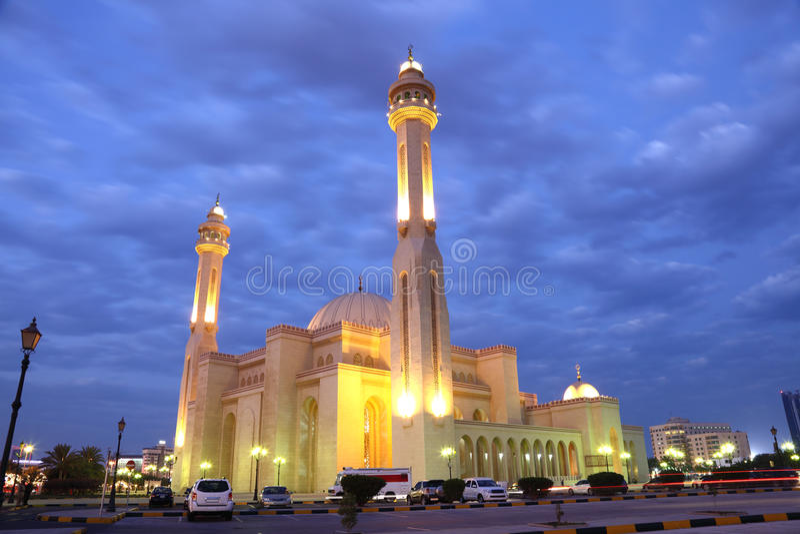 Μεγάλο μουσουλμανικό τέμενος σε Manama, Μπαχρέιν στοκ φωτογραφίες