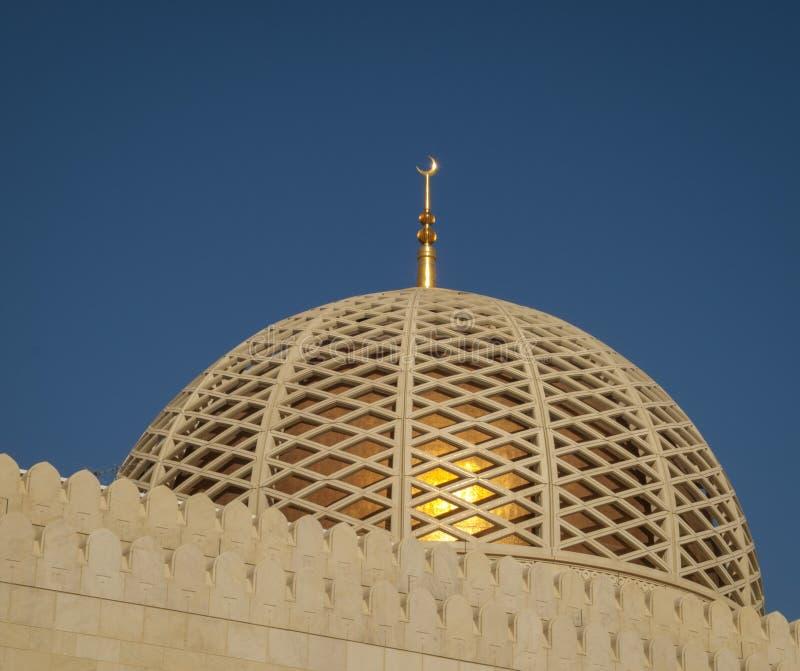 Μεγάλο μουσουλμανικό τέμενος - Muscat - Ομάν στοκ εικόνες