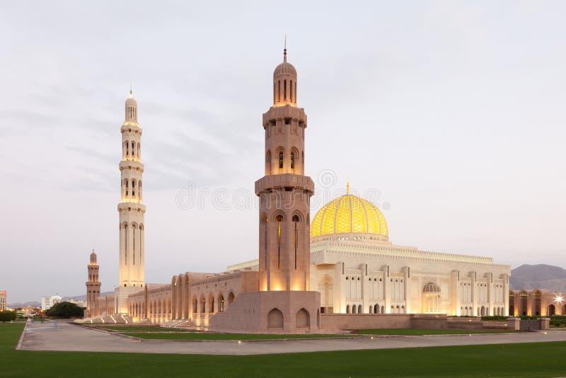 Μεγάλο μουσουλμανικό τέμενος Qaboos σουλτάνων Muscat, Ομάν στοκ εικόνα