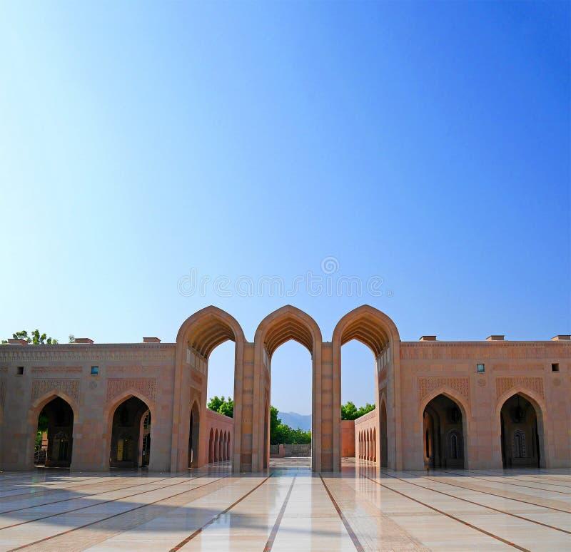 Μεγάλο μουσουλμανικό τέμενος Qaboos σουλτάνων, Muscat, Ομάν στοκ φωτογραφία