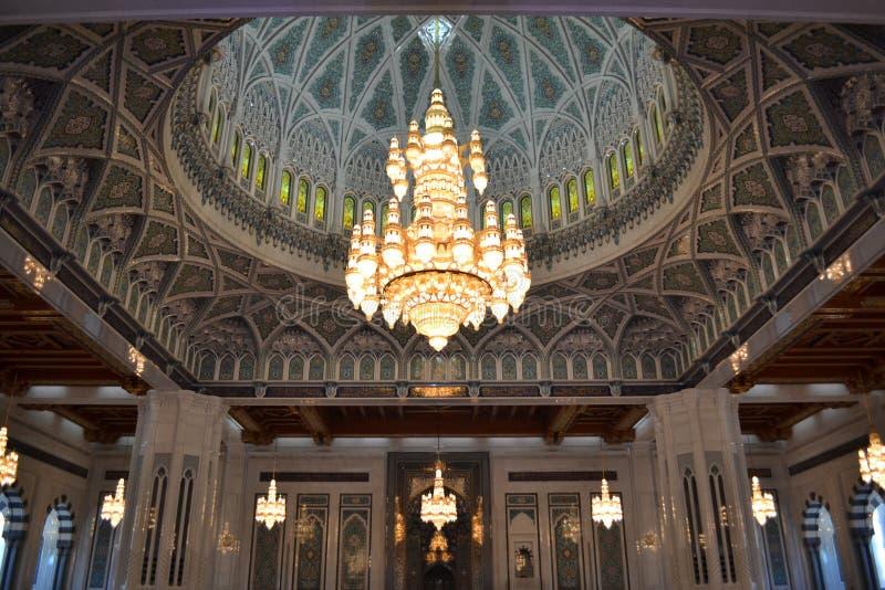 Μεγάλο μουσουλμανικό τέμενος Qaboos σουλτάνων, Muscat στοκ εικόνα με δικαίωμα ελεύθερης χρήσης