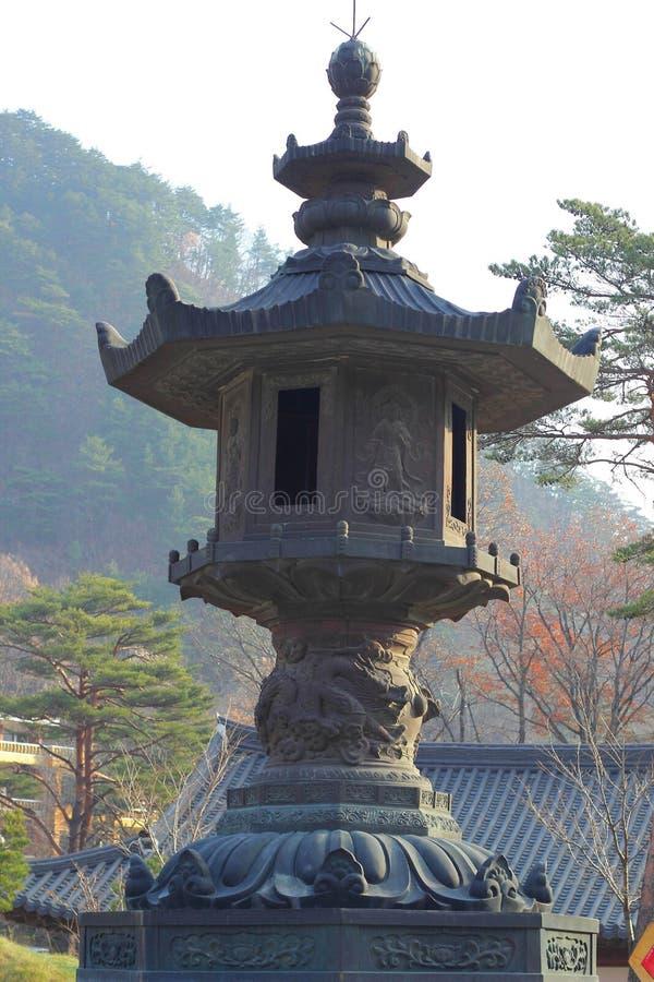 Μεγάλο παλαιό παλαιό φανάρι μετα Seoraksan Κορέα. στοκ εικόνες με δικαίωμα ελεύθερης χρήσης