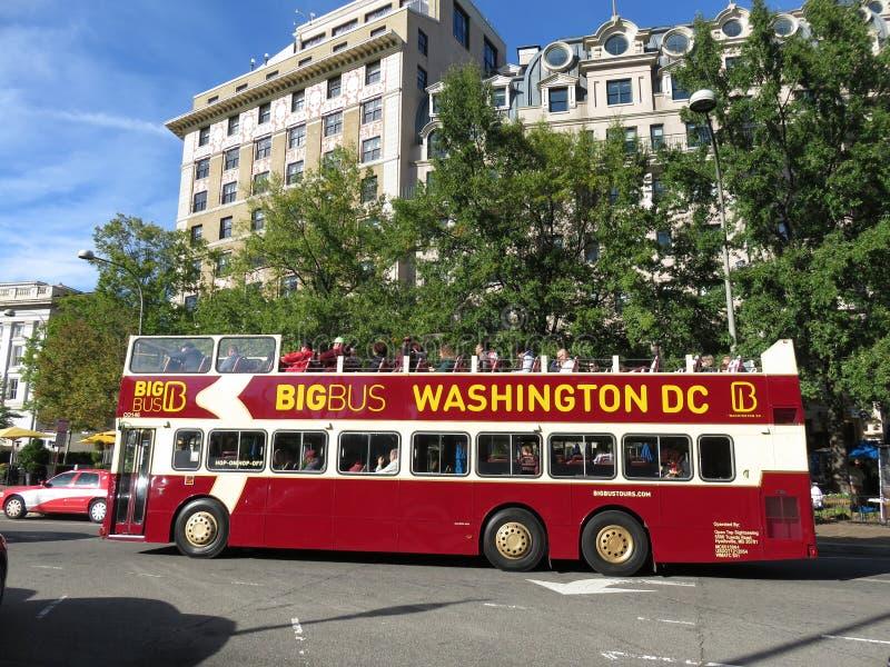 Μεγάλο τουριστηκό λεωφορείο λεωφορείων στο Washington DC στοκ εικόνες