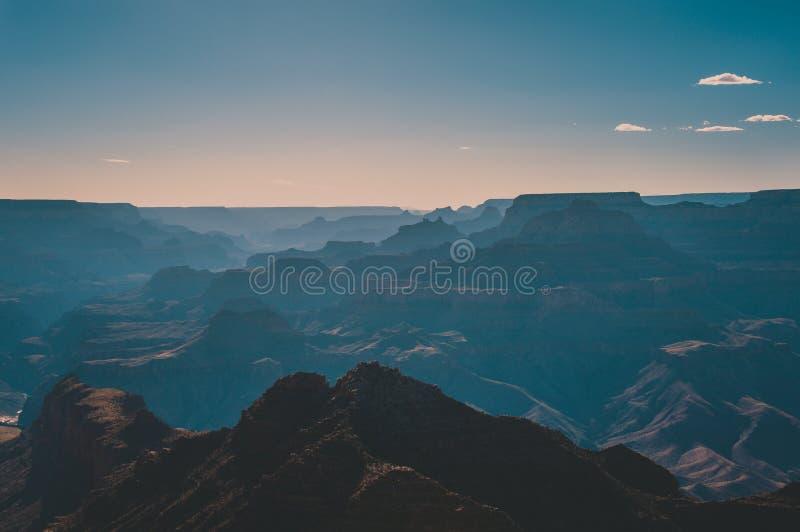 Μεγάλο φαράγγι πάρκων σκιαγραφιών εθνικό στο ηλιοβασίλεμα, Αριζόνα ΗΠΑ στοκ εικόνες με δικαίωμα ελεύθερης χρήσης