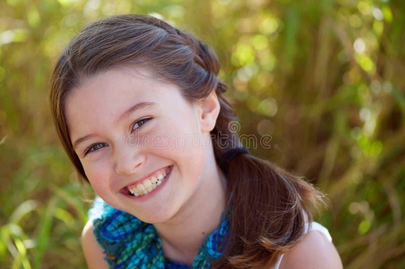 μεγάλο χαμόγελο κοριτσιών στοκ φωτογραφίες με δικαίωμα ελεύθερης χρήσης