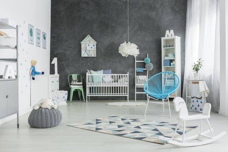 Μεγάλο δωμάτιο για ένα παιδί στοκ φωτογραφία με δικαίωμα ελεύθερης χρήσης
