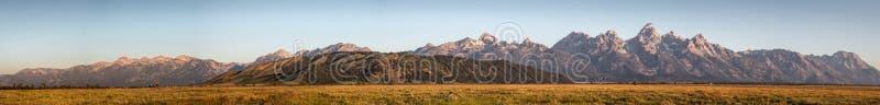 Μεγάλο Teton στην ανατολή στοκ εικόνες
