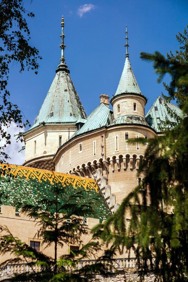 Μεγαλοπρεπές παλαιό κάστρο σε Bojnice, Σλοβακία στοκ εικόνα με δικαίωμα ελεύθερης χρήσης