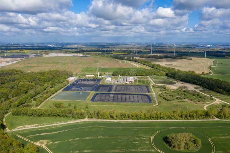 Μεγαλύτερα υλικά οδόστρωσης Ihlenberg τοξικών αποβλήτων της Ευρώπης στο βόρειο τμήμα της Γερμανίας στοκ φωτογραφίες