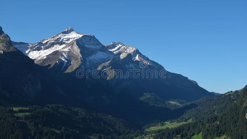 Μεγαλοπρεπές βουνό Oldenhorn στοκ φωτογραφία με δικαίωμα ελεύθερης χρήσης