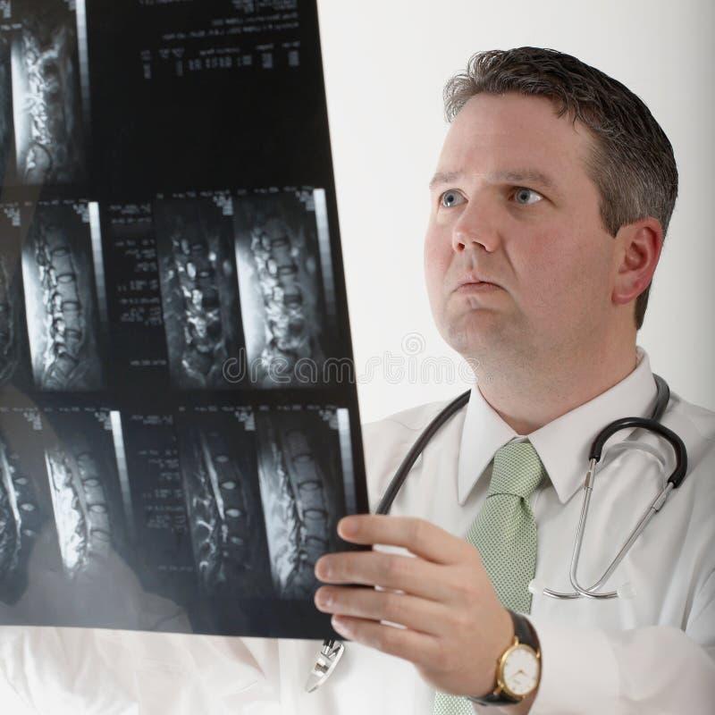 μελέτη mri γιατρών στοκ φωτογραφία