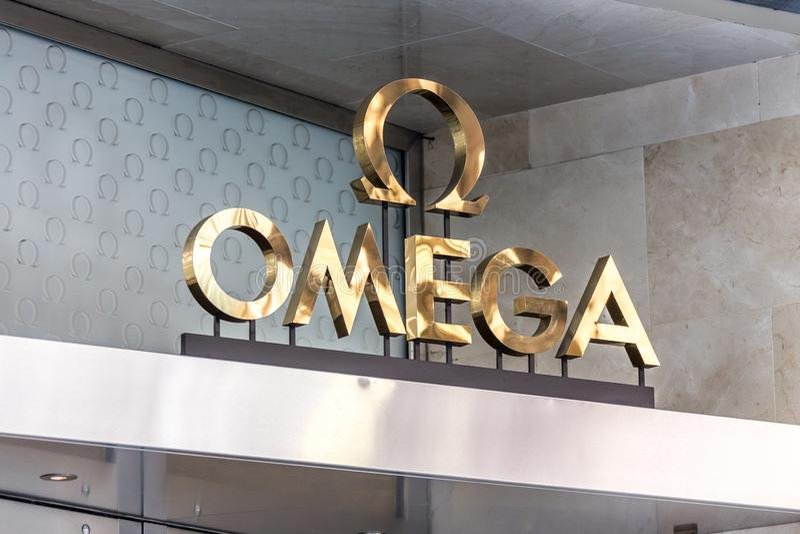 ΜΕΛΒΟΥΡΝΗ ΑΥΣΤΡΑΛΙΑ - 24 Μαΐου 2014: ΩΜΕΓΑ λογότυπο ρολογιών - OMEGA είναι ελβετικό watchmaker πολυτέλειας που βρίσκεται στο Bien στοκ εικόνες