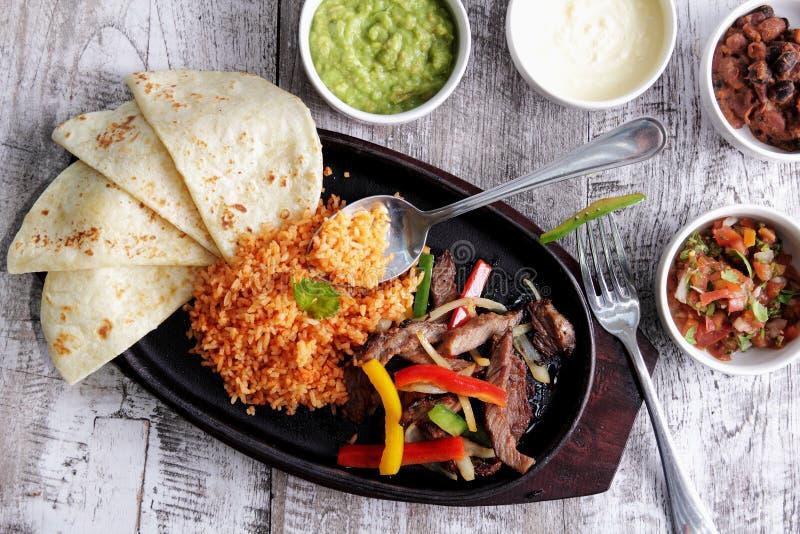 Μεξικάνικα fajitas κουζίνας στοκ εικόνες με δικαίωμα ελεύθερης χρήσης