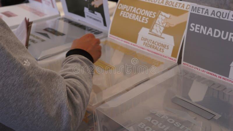 Μεξικάνικη ψηφοφορία ατόμων στοκ εικόνες με δικαίωμα ελεύθερης χρήσης