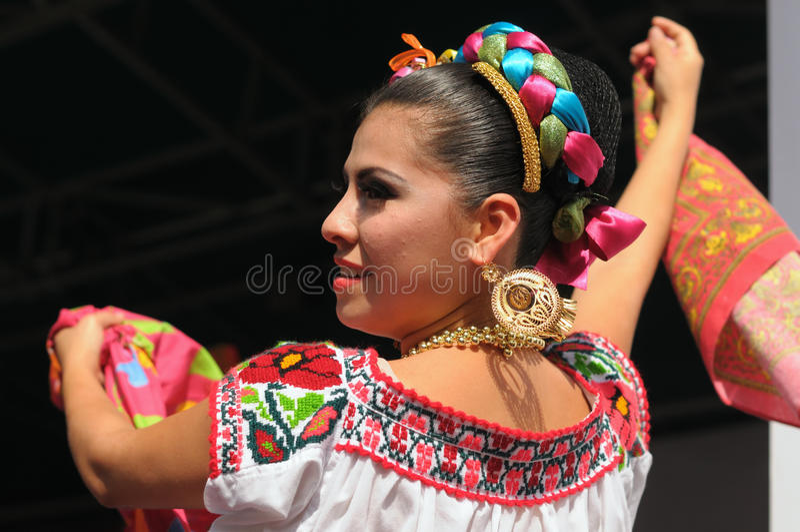 Μεξικάνικο φολκλορικό μπαλέτο Xochicalli στοκ φωτογραφία με δικαίωμα ελεύθερης χρήσης