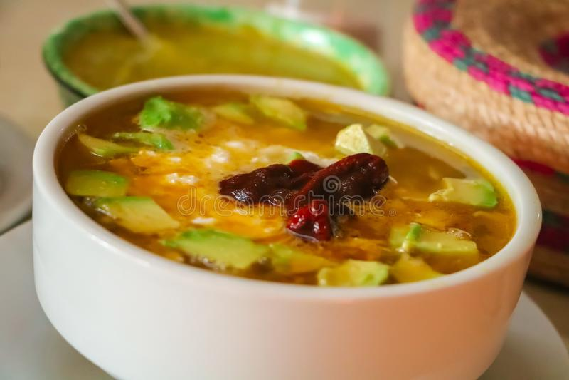 Μεξικάνικο tlalpeño caldo τροφίμων στοκ εικόνες με δικαίωμα ελεύθερης χρήσης