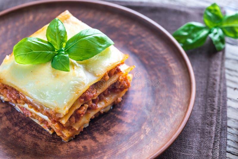 Μερίδα του κλασικού lasagne στοκ φωτογραφία με δικαίωμα ελεύθερης χρήσης