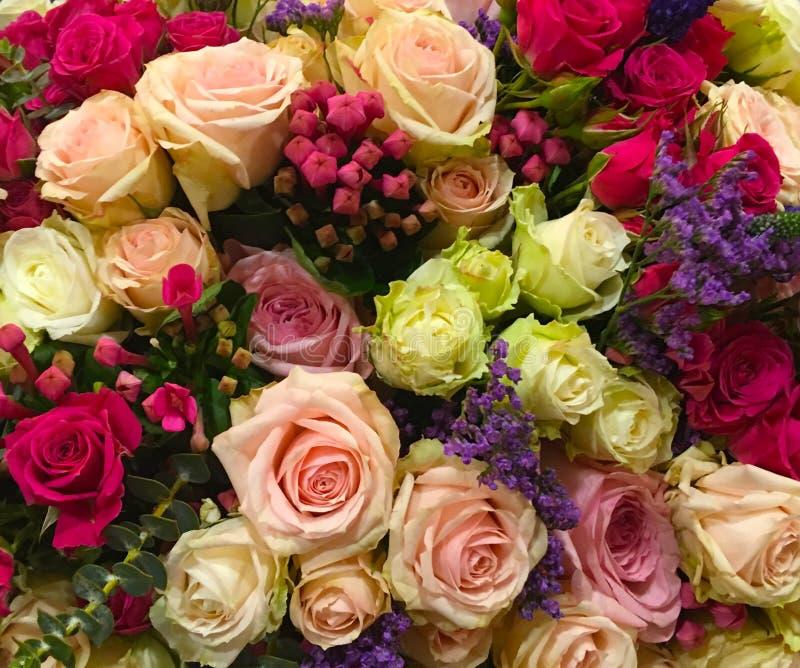 Μερικά τριαντάφυλλα buket στοκ φωτογραφία