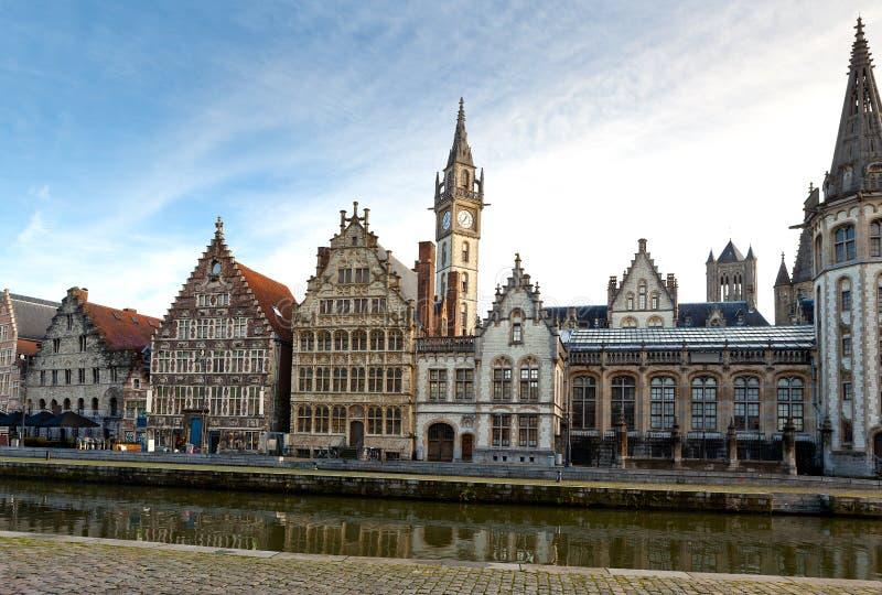 Μεσαιωνικά εμπορικά σπίτια στη Γάνδη, Βέλγιο στοκ φωτογραφία