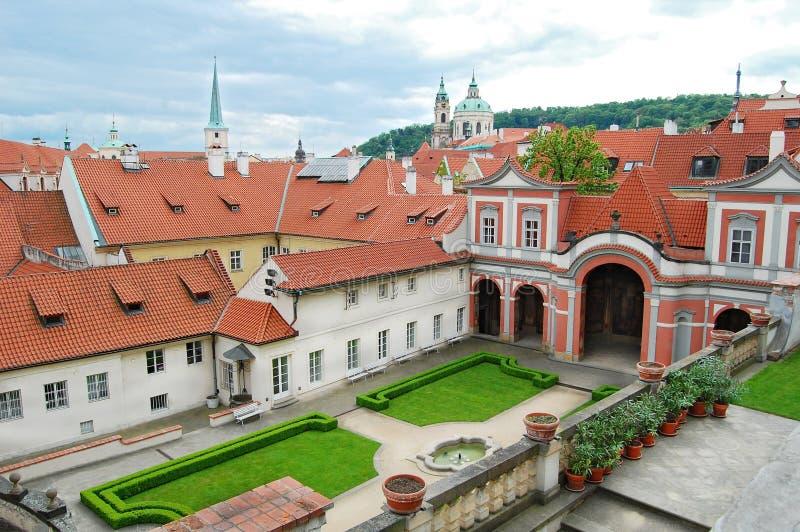 Μεσαιωνική αρχιτεκτονική στην Πράγα Κεφάλαιο Δημοκρατίας της Τσεχίας στοκ εικόνες