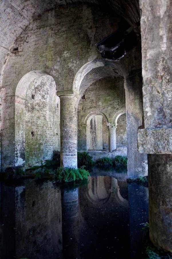 Μεσαιωνική δεξαμενή καλά SAN Gimignano, Σιένα, Τοσκάνη, Ιταλία νερού στοκ φωτογραφία με δικαίωμα ελεύθερης χρήσης