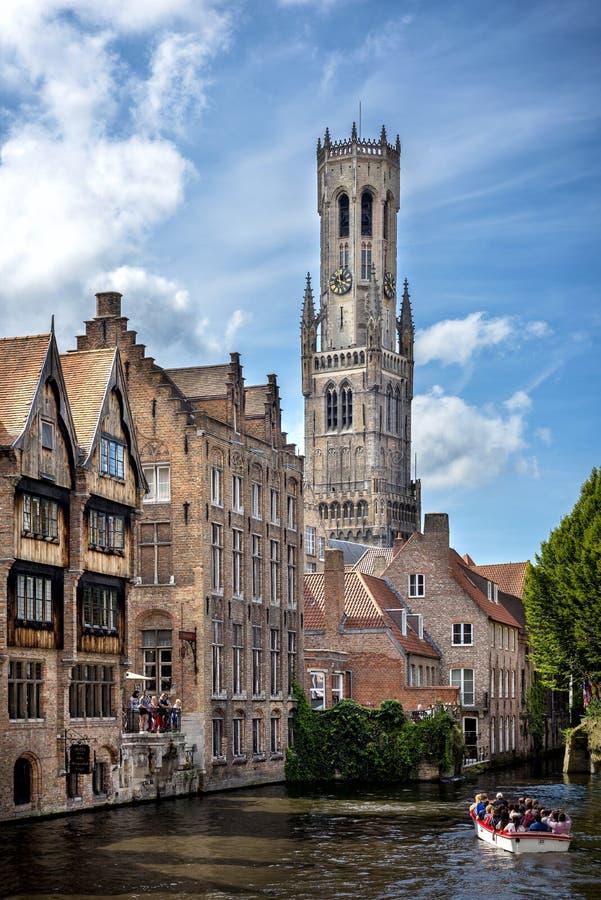 Μεσαιωνική ιστορική πόλη του Μπρυζ Οδοί του Μπρυζ και ιστορικό κέντρο, κανάλια και κτήρια Βέλγων στοκ φωτογραφία
