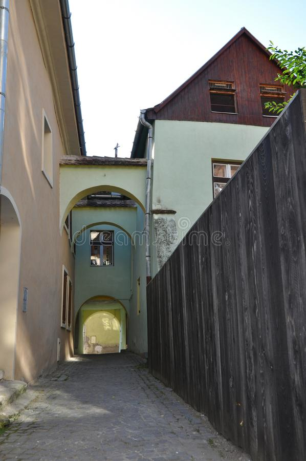 μεσαιωνική οδός sighisoara στοκ φωτογραφία με δικαίωμα ελεύθερης χρήσης