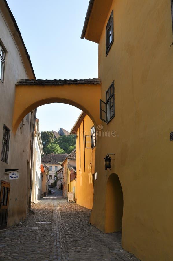 μεσαιωνική οδός sighisoara στοκ εικόνες με δικαίωμα ελεύθερης χρήσης