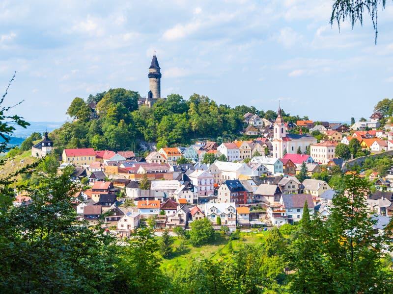 Μεσαιωνική πόλη Stramberk με το γοτθικούς κάστρο και τον πύργο Truba, Μοραβία, Δημοκρατία της Τσεχίας στοκ φωτογραφία με δικαίωμα ελεύθερης χρήσης