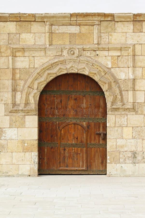 Μεσαιωνική πόρτα στοκ φωτογραφία με δικαίωμα ελεύθερης χρήσης