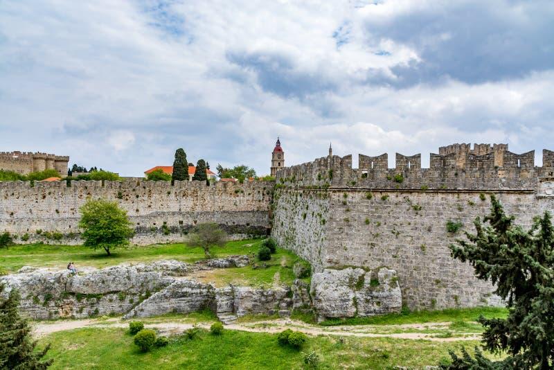 Αποτέλεσμα εικόνας για μεσαιωνικα τειχη