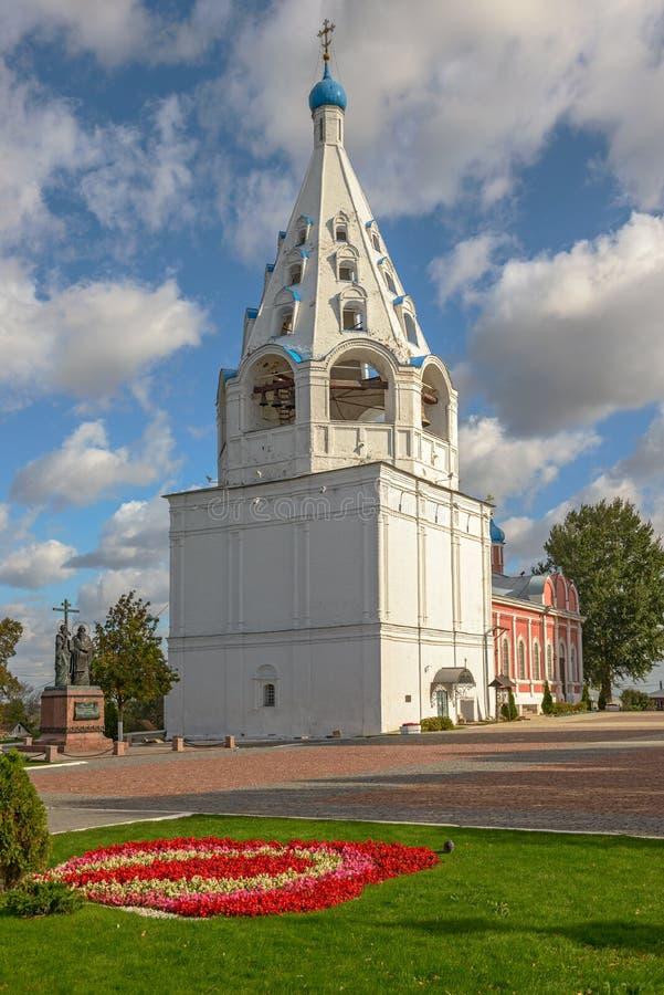 Μεσαιωνικός bellfry στη μικρή ρωσική πόλη στοκ εικόνες με δικαίωμα ελεύθερης χρήσης