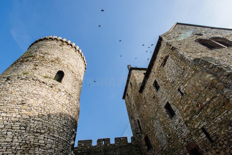 Μεσαιωνικό βασιλικό γοτθικό κάστρο πετρών σε Bedzin, ανώτερη Σιλεσία, Πολωνία στοκ φωτογραφία