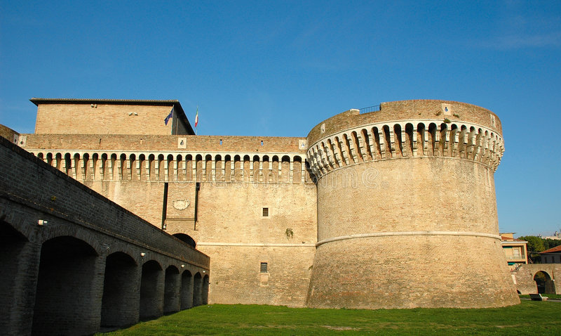 Download μεσαιωνικό Senigallia Rovere της Ιταλία Στοκ Εικόνα - εικόνα από bodybuilders, φεουδαρχία: 1530591