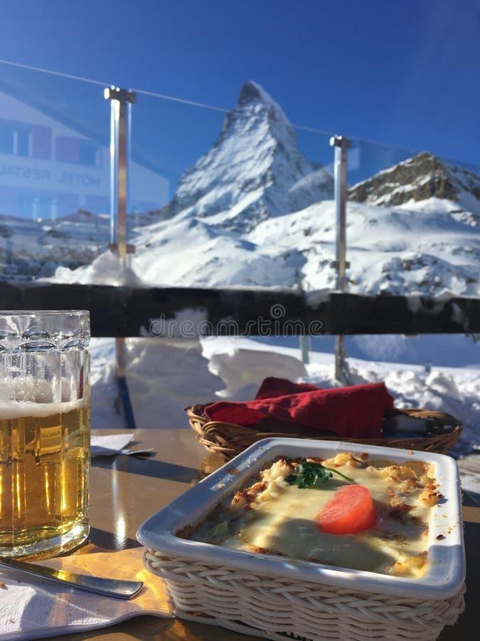 Μεσημεριανό γεύμα με μια άποψη στοκ φωτογραφία