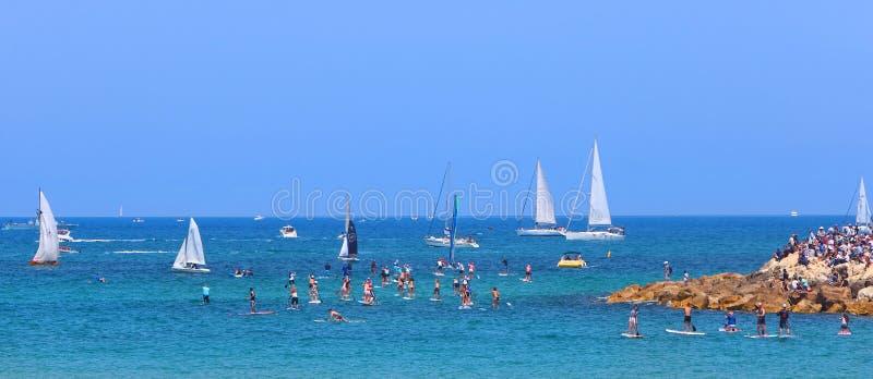 Μεσογειακές χαρούμενες θαλάσσιες θερινές διακοπές στοκ εικόνες