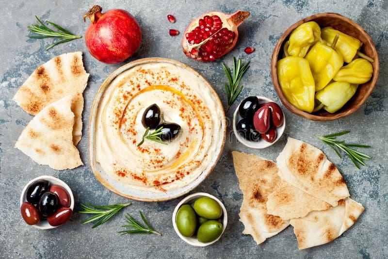Μεσο-Ανατολικό παραδοσιακό γεύμα Αυθεντική αραβική κουζίνα Τρόφιμα κομμάτων Meze Η τοπ άποψη, επίπεδη βάζει, γενικά έξοδα στοκ εικόνες
