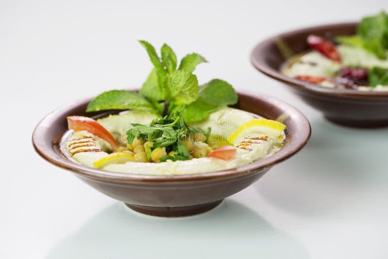 Μεσο-Ανατολικό πιάτο Hummus στοκ φωτογραφία