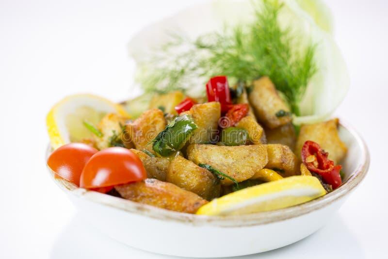 Μεσο-Ανατολικό Batata Harra πιάτων στοκ εικόνες