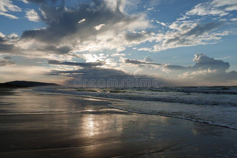 Μεσόγειος στο ηλιοβασίλεμα στοκ εικόνες