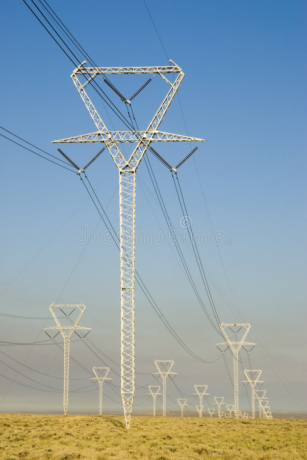 μετάδοση πύργων ισχύος στοκ εικόνες